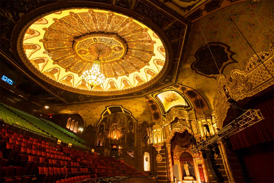 19 Hidden Gems on Staten Island That Only Locals Know About - 16. St. George Theatre